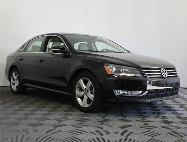 Pre-Owned 2015 Volkswagen Passat 1.8T Limited Edition