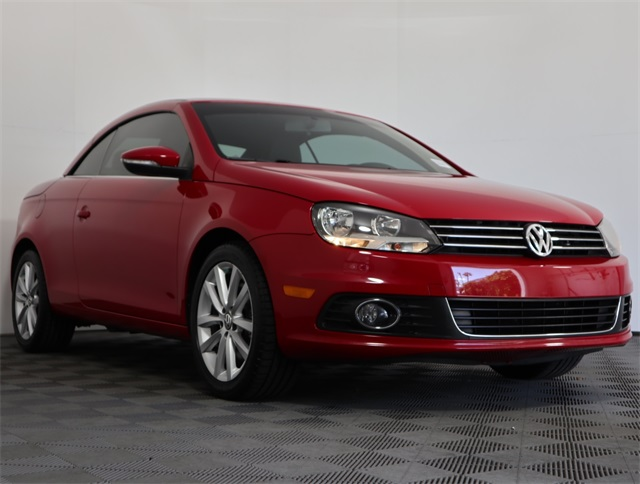 Certified Pre-Owned 2014 Volkswagen Eos Komfort Edition