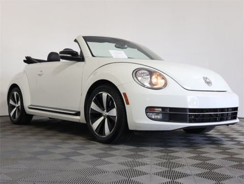 Certified Pre-Owned 2013 Volkswagen Beetle 2.0 TSi